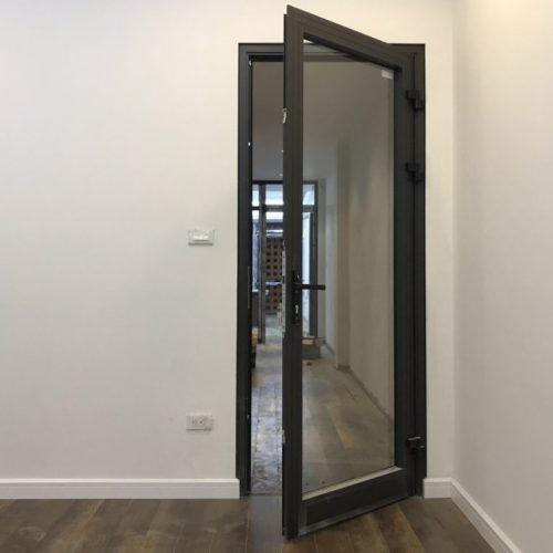 cửa đi mở quay nhôm xingfa 1 cánh