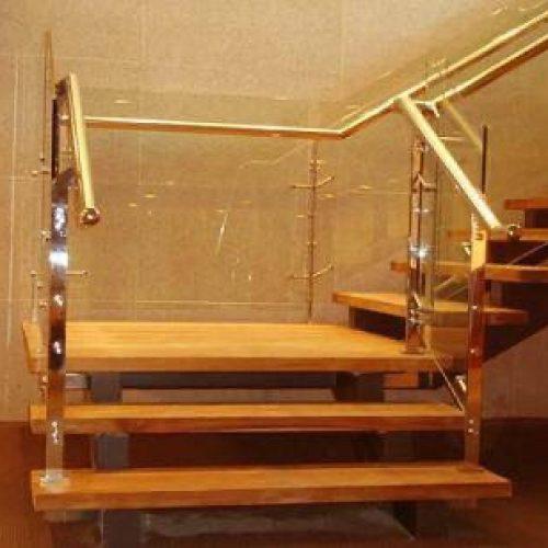 Cầu thang kính trụ mạ inox mạ đồng