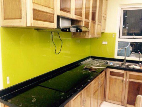 Kính màu ốp bếp quận 7