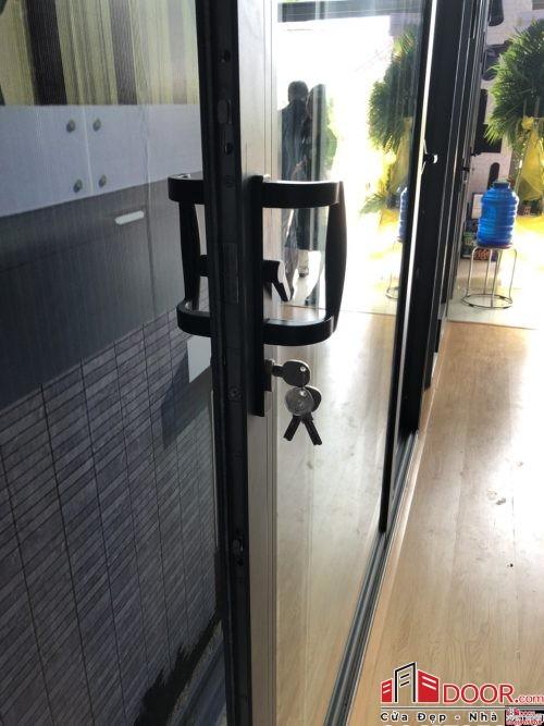 khóa bán nguyệt dùng cho cửa đi mở trượt